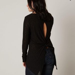 Daytrip from buckle black blouse size small
